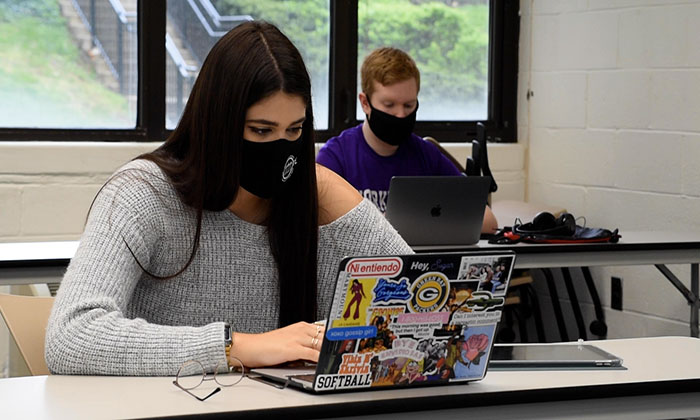 Students engage through virtual learning at Marymount University